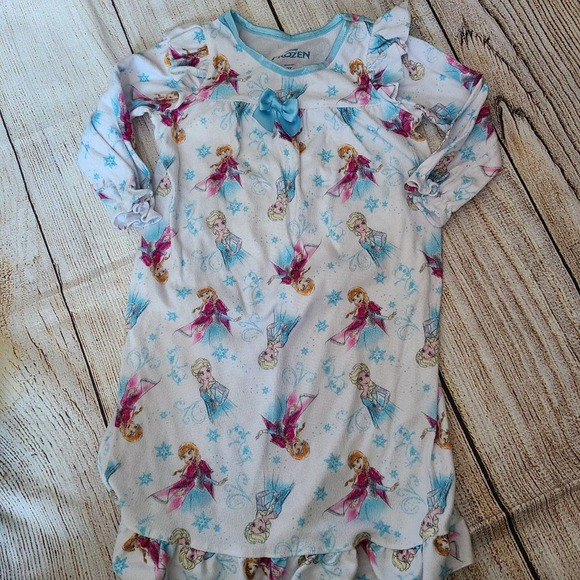 4 for $25 - Frozen Long Sleeve Nightgown Size 2T